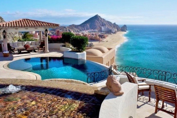 Pedregal home with a pool and view